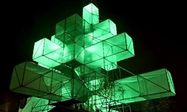 Anche l'albero di Natale diventa digitale