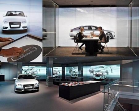 Via touch pads kennismaken met alle mogelijke modellen van Audi